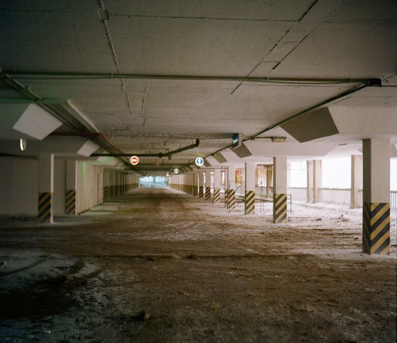 Quanto costa un pavimento del garage in resina epossidica? Il tuo garage ha bisogno di una nuova pavimentazione?